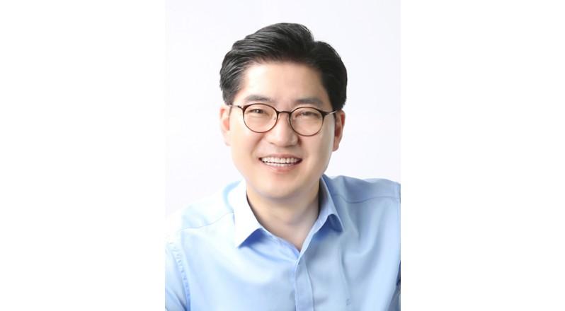 이정훈 강동구청장, 부정거래 방조 의혹…사실 아니다 입증할 것